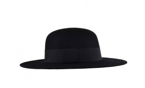 Hat with a round crown